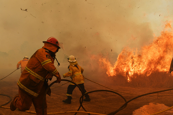 Australia「Bushfires Continue To Burn Across NSW As Catastrophic Fire Conditions Ease」:写真・画像(8)[壁紙.com]