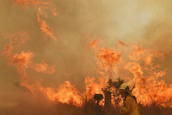 オーストラリア「Bushfires Continue To Burn Across NSW As Catastrophic Fire Conditions Ease」:写真・画像(3)[壁紙.com]