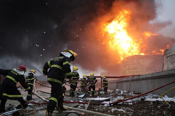 Exploding「Chemical Plant Explodes In East China」:写真・画像(16)[壁紙.com]