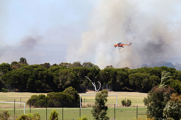 オーストラリア「Firefighters Attend Out of Control Bushfire In Carrum Downs」:写真・画像(9)[壁紙.com]