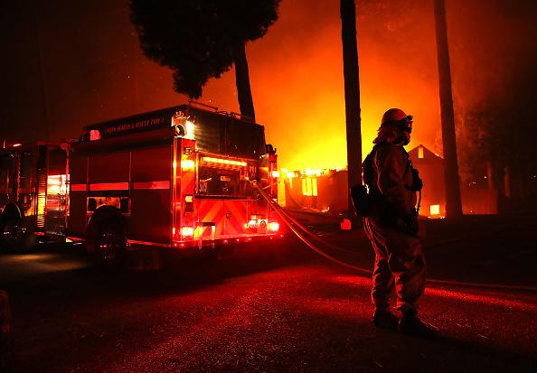 カリフォルニア州「Rapidly-Spreading Wildfire In California's Butte County Prompts Evacuations」:写真・画像(6)[壁紙.com]