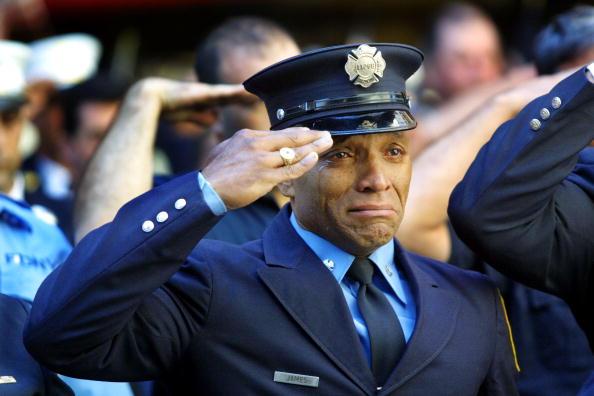 Emergency Services Occupation「September 11 Retrospective」:写真・画像(16)[壁紙.com]