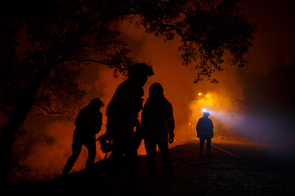 Portugal「Dozens Dead As Wildfires Spread Across Northern Spain And Portugal」:写真・画像(3)[壁紙.com]