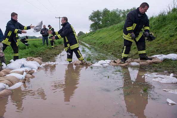 Sandbag「Severe Rains Cause Flooding And Threaten Harvests」:写真・画像(10)[壁紙.com]