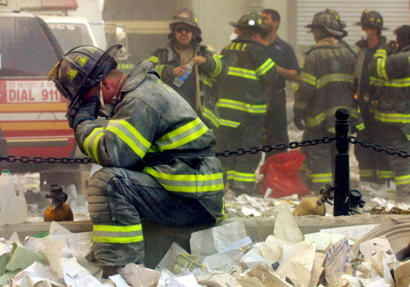 Emergency Services Occupation「September 11 Retrospective」:写真・画像(1)[壁紙.com]