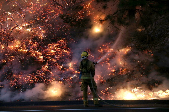 カリフォルニア州「Rim Fire Continues To Burn Near Yosemite National Park」:写真・画像(19)[壁紙.com]