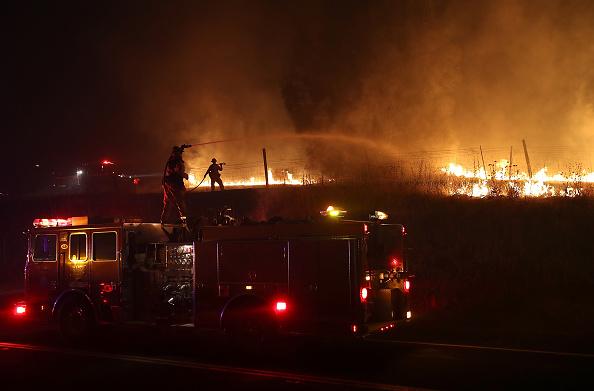 Justin Sullivan「Detwiler Fire Spreading Rapidly Threatens Historic Town Mariposa」:写真・画像(8)[壁紙.com]