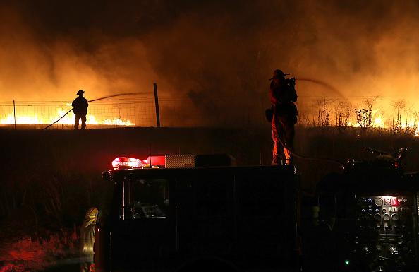Justin Sullivan「Detwiler Fire Spreading Rapidly Threatens Historic Town Mariposa」:写真・画像(5)[壁紙.com]