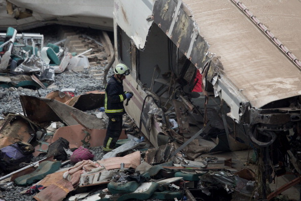 Train Crash「Train Crash Kills At Least 77 In Spain」:写真・画像(18)[壁紙.com]