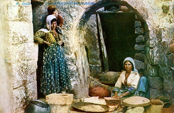 Healthy Eating「Syrian peasants making pita bread」:写真・画像(18)[壁紙.com]