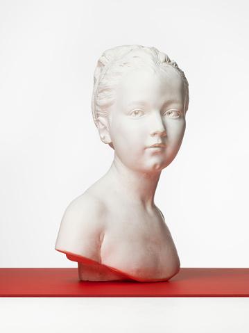 Bust - Sculpture「Plaster bust of a young girl」:スマホ壁紙(1)