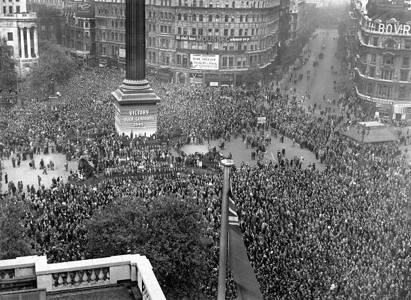 Trafalgar Square「VE Day Celebrations」:写真・画像(0)[壁紙.com]