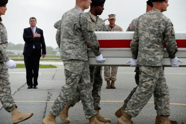 Construction Material「Bodies Of Seven Servicemen Killed In Afghanistan Return To U.S.」:写真・画像(7)[壁紙.com]