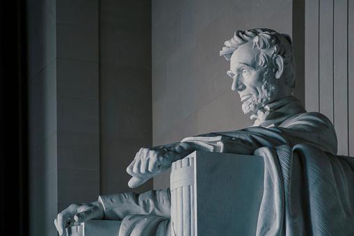 Male Likeness「Statue of Abraham Lincoln inside Lincoln Memorial, Washington DC, USA」:スマホ壁紙(3)