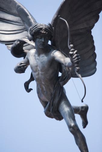 Cupid「Statue of angel shooting bow」:スマホ壁紙(13)