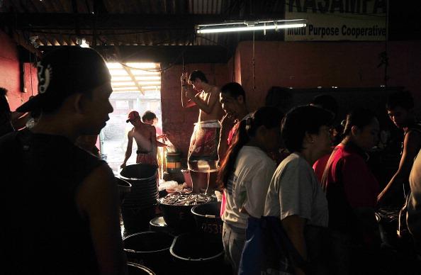 Wet「Pamalakaya Group Attempts To Halt Manila Bay Reclamation Plans」:写真・画像(14)[壁紙.com]