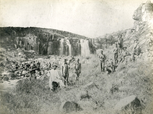 1890-1899「A group of boers and retainers near the Pemvane Falls in the New Republic during a hunting expedition...」:写真・画像(2)[壁紙.com]