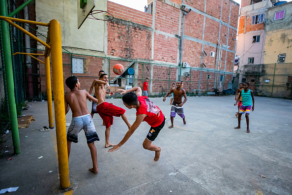 Soccer - Sport「A Sunny Saturday in the Outskirts of Rio During the Coronavirus (COVID - 19) Pandemic」:写真・画像(15)[壁紙.com]