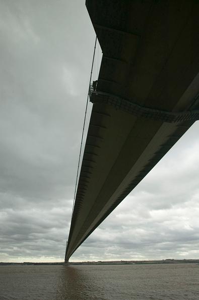 Support「The Humber Bridge near Hull UK」:写真・画像(13)[壁紙.com]