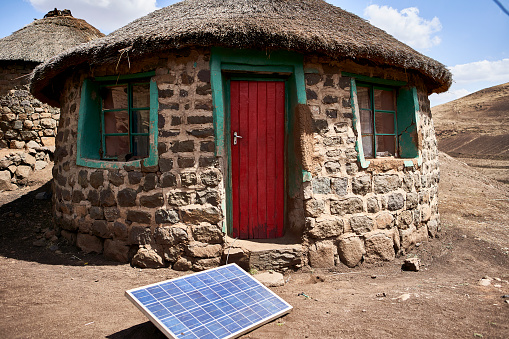 Lesotho「Typical house with solar panel, Lesotho, Africa」:スマホ壁紙(13)