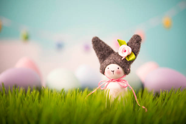 Easter still life with handmade bunny in grass:スマホ壁紙(壁紙.com)