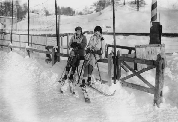 Ski Pole「Ladies At St Moritz」:写真・画像(3)[壁紙.com]