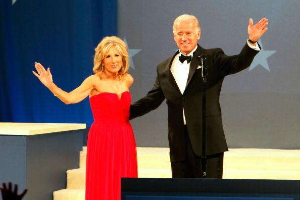 イブニングドレス「Biden Home States Ball」:写真・画像(18)[壁紙.com]