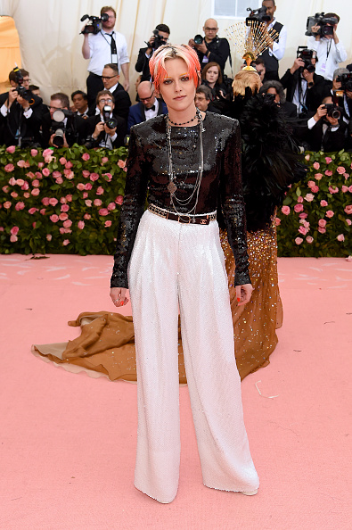 Kristen Stewart「The 2019 Met Gala Celebrating Camp: Notes on Fashion - Arrivals」:写真・画像(16)[壁紙.com]