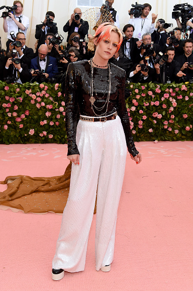 Kristen Stewart「The 2019 Met Gala Celebrating Camp: Notes on Fashion - Arrivals」:写真・画像(17)[壁紙.com]