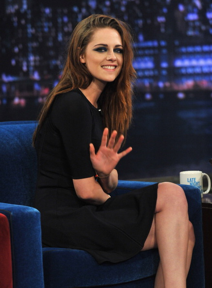 "ロングヘア「Kristen Stewart Visits ""Late Night With Jimmy Fallon""」:写真・画像(7)[壁紙.com]"