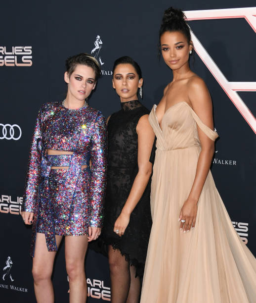 """Premiere Of Columbia Pictures' """"Charlie's Angels"""" - Arrivals:ニュース(壁紙.com)"""