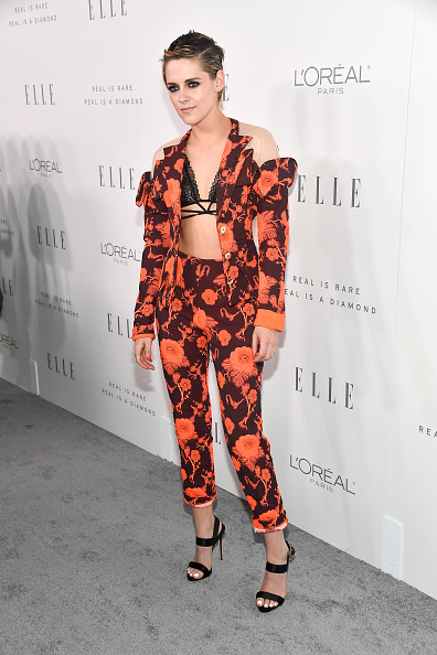 Halter Top「ELLE's 24th Annual Women in Hollywood Celebration presented by L'Oreal Paris, Real Is Rare, Real Is A Diamond and CALVIN KLEIN - Arrivals」:写真・画像(8)[壁紙.com]