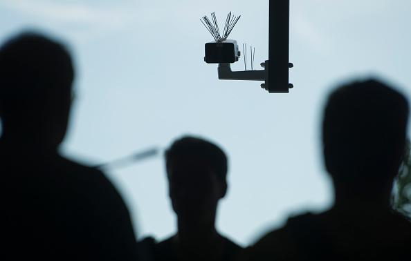 Watching「Tests On Facial Recognition Technology Begun At Berlin Suedkreuz」:写真・画像(0)[壁紙.com]