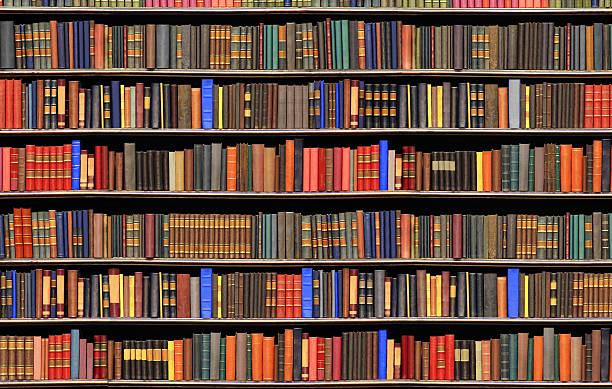 Old books in a library - BIG FILE:スマホ壁紙(壁紙.com)