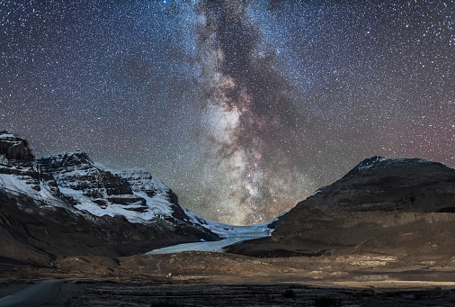 star sky「Milky Way over Athabasca Glacier in Jasper National Park, Canada.」:スマホ壁紙(17)