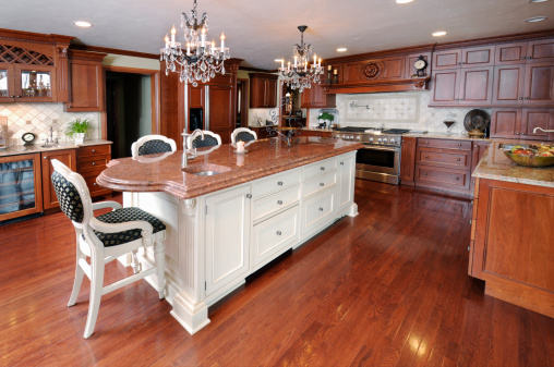 Maple Tree「Dream Kitchen, Dark Hardwood Floors, Cabinets, Chandelier, Marble Granite Counters」:スマホ壁紙(17)