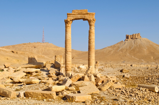 Greco-Roman Style「Ancient and modern towers in Palmyra, Syria」:スマホ壁紙(15)