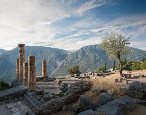 Archaeology「Ancient Ruins at Delphi, Greece」:スマホ壁紙(5)