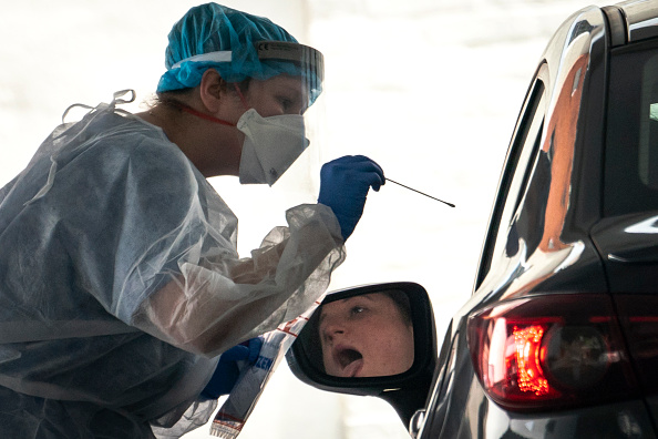 USA「Washington DC Area Sees Highest Rate Of COVID-19 Infections In U.S.」:写真・画像(8)[壁紙.com]