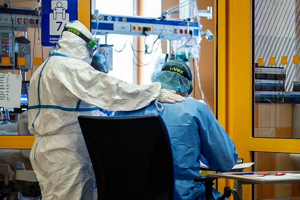 Equipment「Coronavirus Cases Rise In Czech Republic」:写真・画像(14)[壁紙.com]