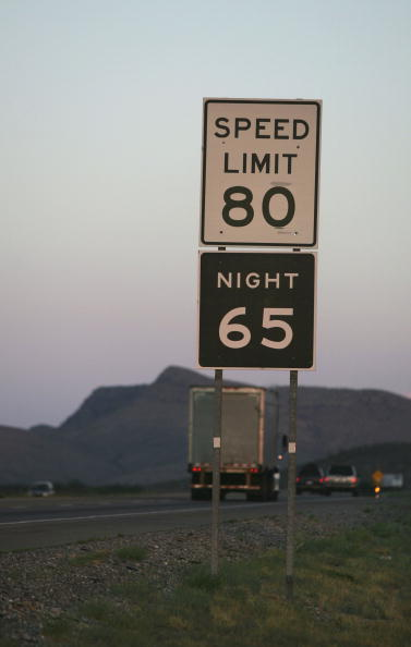 Rick Scibelli「Parts Of Texas Raise Speed Limit To 80, Nations Highest」:写真・画像(3)[壁紙.com]