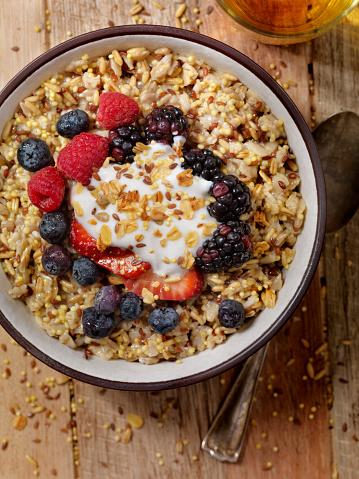 Granola「Hot 7 Grain Breakfast Cereal With Yogurt and Fresh Fruit」:スマホ壁紙(13)