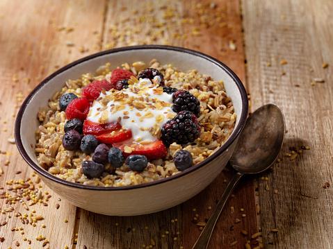 Crunchy「Hot 7 Grain Breakfast Cereal With Yogurt and Fresh Fruit」:スマホ壁紙(11)