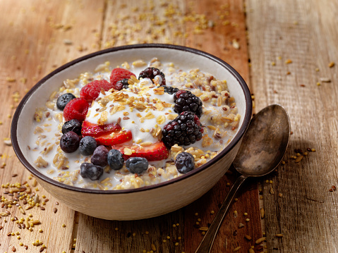 Oats - Food「Hot 7 Grain Breakfast Cereal With Yogurt and Fresh Fruit」:スマホ壁紙(2)