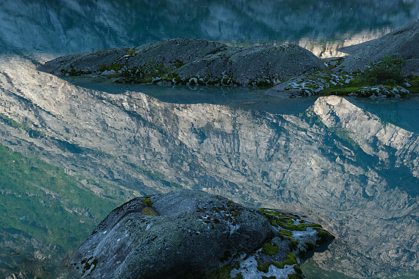 Mountain「Global Warming Is Accelerating The Melting Of Norway's Glaciers」:写真・画像(15)[壁紙.com]