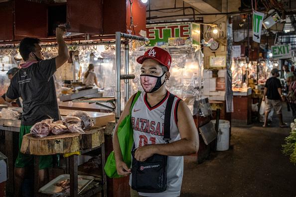 Wet「Northern Philippines Under Lockdown As The Coronavirus Continue To Spread」:写真・画像(11)[壁紙.com]