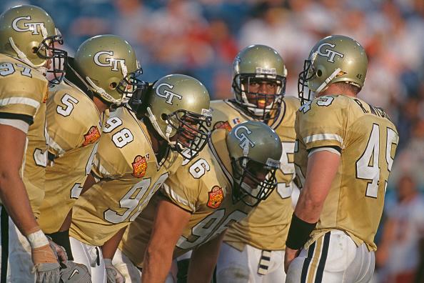 Defensive Lineman - American Football Player「55th Gator Bowl」:写真・画像(6)[壁紙.com]