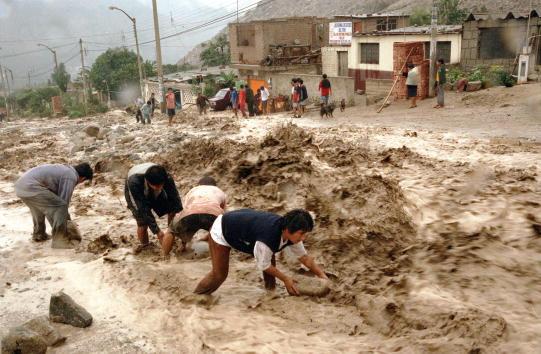 Water「El Nino Hits Peru」:写真・画像(10)[壁紙.com]