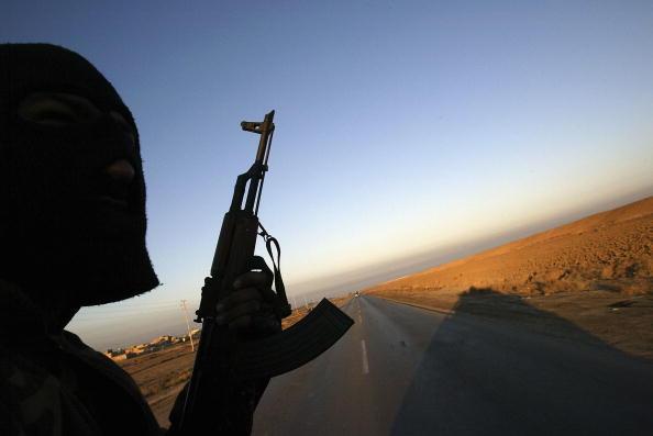Horizon「Iraqi Commandos Conduct Raids Against Suspected Insurgents」:写真・画像(4)[壁紙.com]