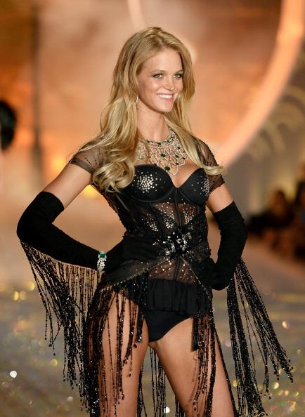 エリン・ヘザートン「2013 Victoria's Secret Fashion Show - Show」:写真・画像(16)[壁紙.com]